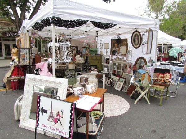 This booth picture compliments of Mary's Meanderings blog
